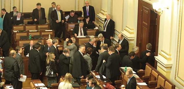 Kdo to může skončit: Taková je cesta k rozpuštění sněmovny a novým volbám