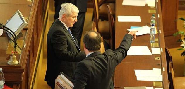 "Vrcholný šéf ČT promluvil ke skandálu s Rusnokovým ""Ty vole, Mandela"""