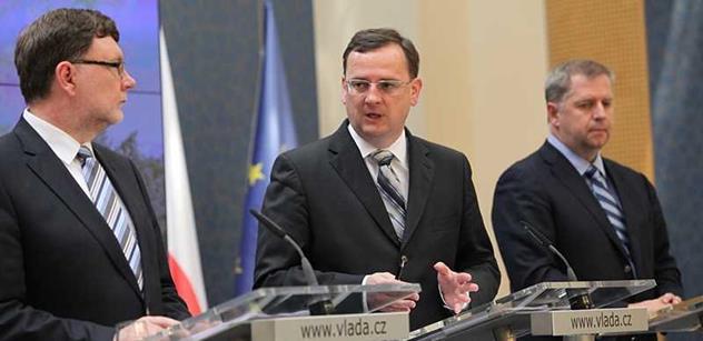 Výzva letí internetem: Připravte Kalouskovi, Němcové a Schwarzenbergovi peklo. Plivejte, pískejte, křičte