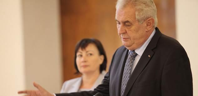 Miloš Zeman v nejlepší formě. Dal si šlofíčka a z rádia pak létaly perly