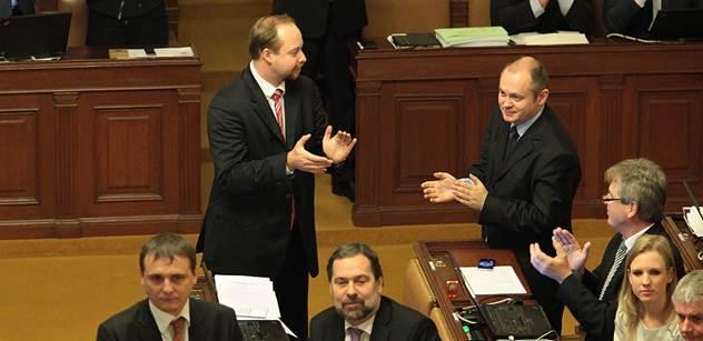 Anonymní akcie poslanci nevyřešili, míní ČSSD