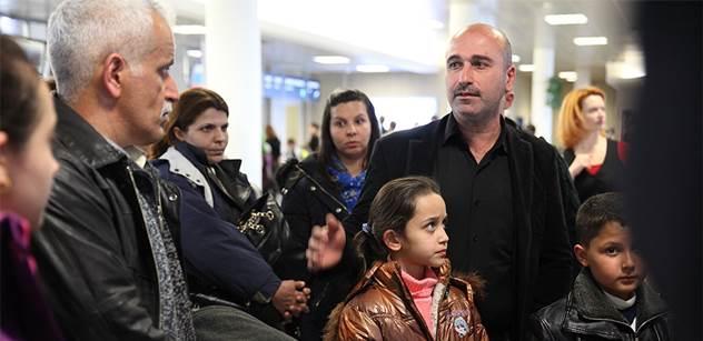 Učitelka přistěhovalců: Nebral mě vážně, musel přijít kolega-muž. Co asi umí ti z gumových člunů. Student z Iráku mi řekl, že u nich je zvykem skrývat, co si myslí