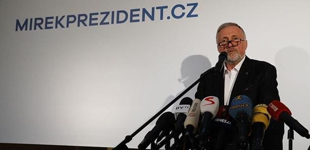 """""""Miláčci!"""" Mirek Topolánek se na tiskové konferenci posmíval novináři z Respektu. Pak poslal do kamer vzkaz Zemanovi. Došlo i na Dalíka"""