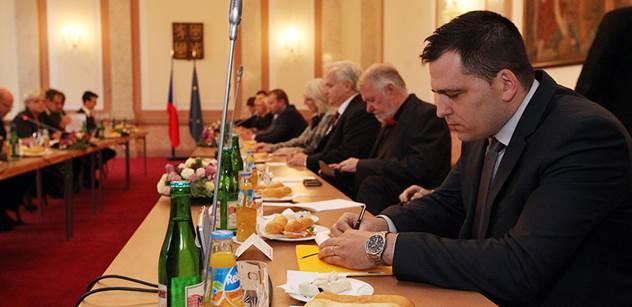 Europoslanec Tomáš Zdechovský znovu vstupuje na scénu. Kvůli zprávě OLAFu