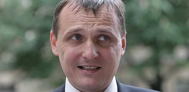 Daňová reforma není koaliční návrh, jen podvozek, kritizuje Bárta