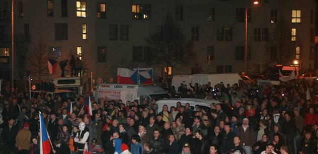 Emoční náboj protestů nelze odmávnout slovem fuj, píše komentátor