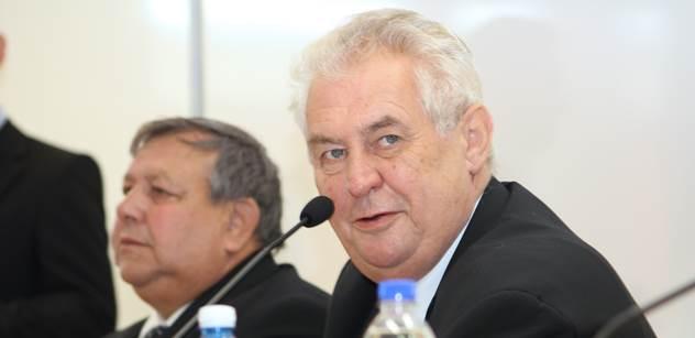 Zeman dnes s Klausem a dalšími politiky oslaví 70. narozeniny