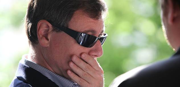 Rath: Jde mi o kejhák. Přesto váhám, koho volit prezidentem