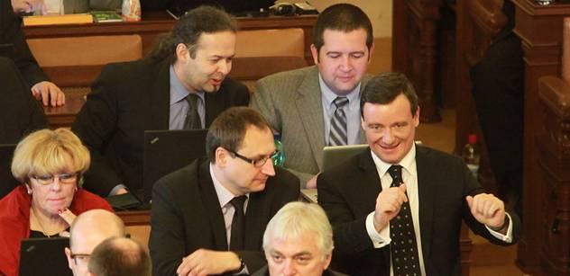 Rathe, ty jsi to nejhorší z české politiky. Poslanci nám svěřili své zlé vzpomínky