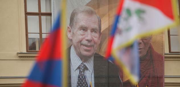 VIDEO Jarek Nohavica zase mnohé naštve: Jde o Tibet, dalajlámu, Rusko a ošklivé ženy