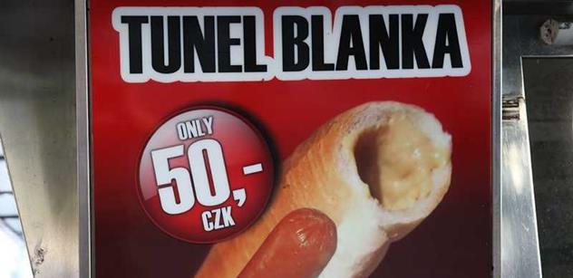 Tunel Blanka se má otevřít příští sobotu ve dvě odpoledne. Prý už doopravdy
