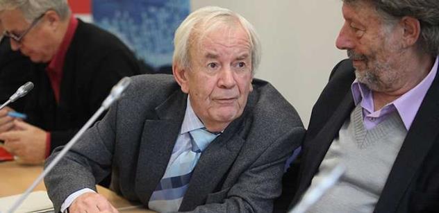 Zkušený novinář Syruček: Dodají-li USA zbraně, přijde ruská odveta. Chcete válčit na Ukrajině? Nemáme se tak zle, abychom se chtěli mít mnohem hůř