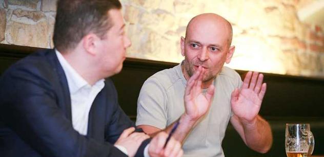 Pravá ruka Okamury Novák chce vrátit do hry válečné reparace od Německa: Milion a půl pro každého. Dost tady toho rozkradli a zničili