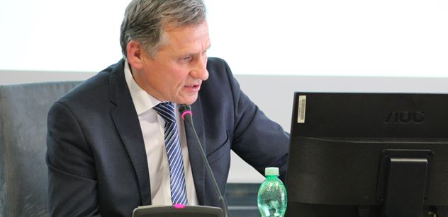 Jiří Čunek: Havel měl být ráznější a zrušit komunisty rovnou. Teď bychom nemuseli řešit, že na nich stojí vláda