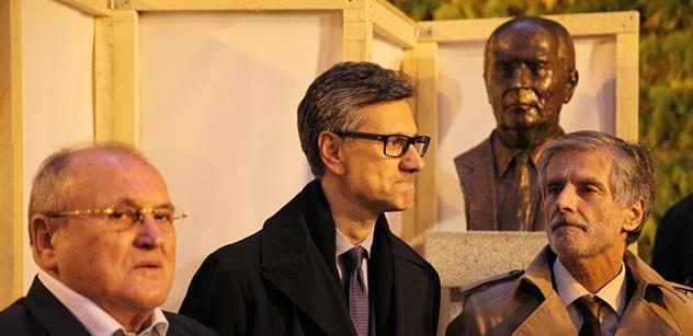 V Jazzové sekci se sešli velvyslanci Francie a Slovenska. Důvodem byl François Mitterand