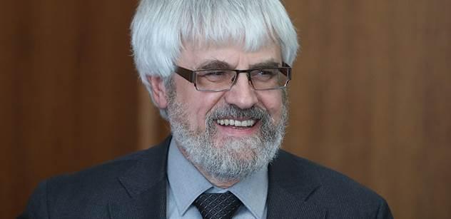 Šámal přijal Zemanovu nabídku kandidovat na ústavního soudce