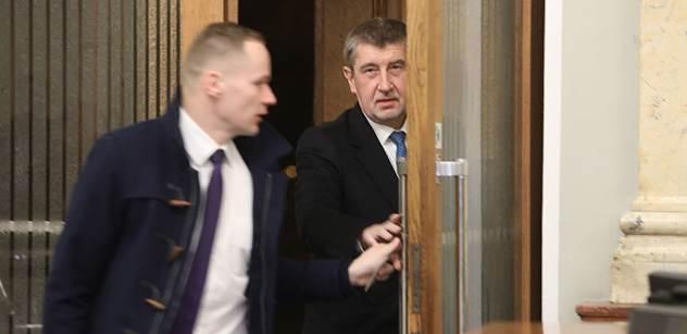 Zdržovací taktika, předčasné volby i konec Andreje Babiše. Zkušený expert odhaduje, co vše se může stát