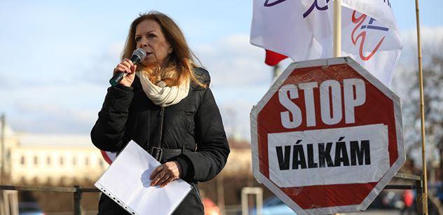 To je nezmar, ten Zeman: Zase navrhuje Senátu Lenku Procházkovou