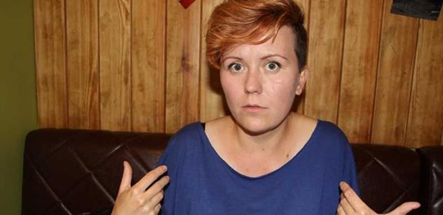 Putin je kremelský Drákula. Šéfka hnutí Femen, které se svléká pro demokracii, otevřeně promlouvá