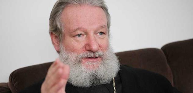Vladyka Kryštof objasnil svůj případ a řekl: Chci dál sloužit církvi