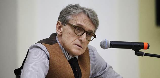 Boj elit s elitami, promluvil k politické straně Petra Robejška kolega politolog