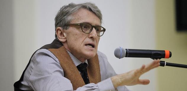 Petr Robejšek vyzývá ke změně: Elity slouží jen samy sobě. Pozorujete to, kam se podíváte
