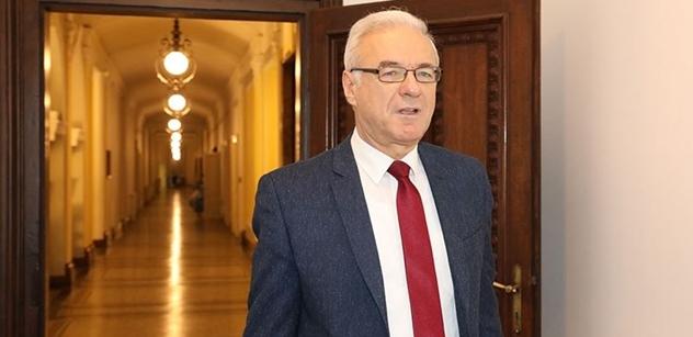 Ministr kultury Šmíd ocení Dámu české kultury a Rytíře české kultury