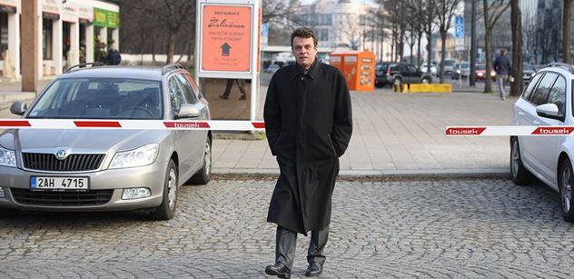 Senátor Czernin: Babiš estébáckým způsobem napadá předsedu Ústavního soudu