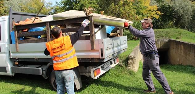 Plzeňský centrální obvod likviduje nepořádek po bezdomovcích