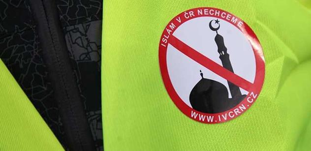 Petr Hampl měsíc po masakru v Paříži: Podřizujeme se islámu. Je zde Konvičkovo lidové hnutí a pak ti, co dostávají prachy za názory. A Tomáš Halík...