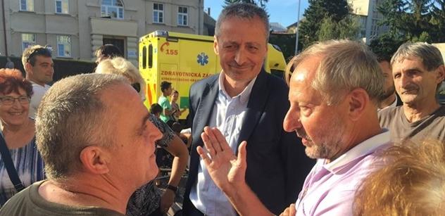 Předvolební mítink v Kutně Hoře se změnil v boj o život. Jeden z účastníků dostal infarkt