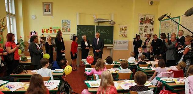 Mezi rodiči se šíří těžko uvěřitelná zpráva. Týká se návratu dětí do škol. Letos to prý nebude...