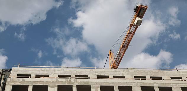 Ceny domů a bytů klesají, blíží se cenám z roku 2000