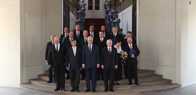 Vláda projedná změnu důchodové reformy či úpravu prostituce