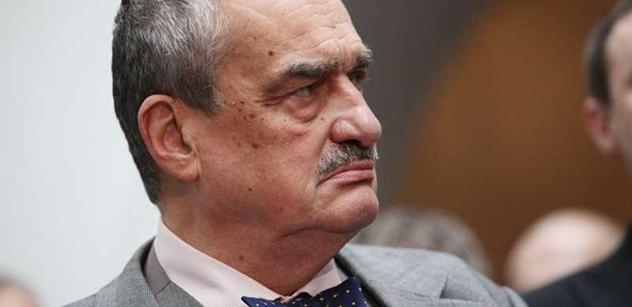 Kníže blahopřál Nečasovi k projevu, komunisté premiéra odsoudili