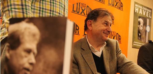 V Lucerně se bude číst z Žantovského knihy o Havlovi, lidé se mohou přidat