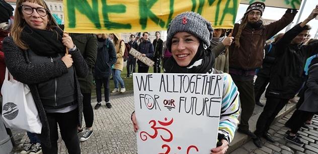 Teď si dáme prázdniny a pak přitvrdíme, varují studenti bojující za lepší klima