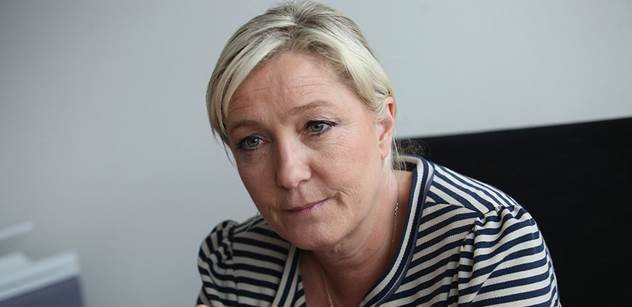 """Tady je """"Le Penové"""". Podívejte se, co říkají lidé v jednom francouzském městě"""