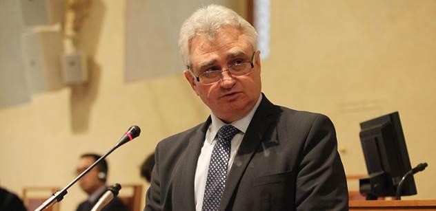 Zeman už není levicový politik, sdělil PL šéf Senátu Štěch. A je toho mnohem více