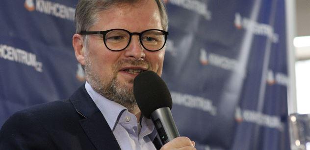 Profesor Fiala si užíval pocitu vítězství: Polokomunistická vláda nebude mít v Senátu většinu