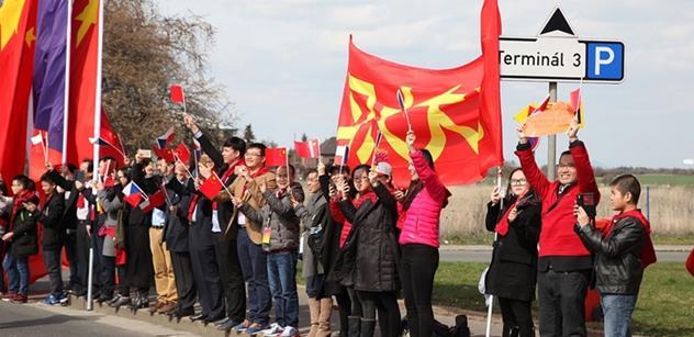 """Hlavní organizátor """"vítacích"""" akcí čínského prezidenta v Praze Raffy Wang: Většina Čechů nezná problematiku Tibetu. Jeho vlajka je jen symbol"""