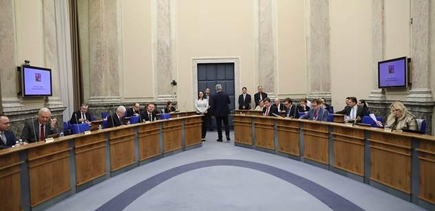 Vladimír Pelc: Vláda je v demisi především s odborností