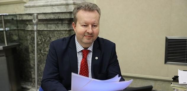 """Ministr Brabec: Poskytneme další peníze na """"kotlíkovné"""" i na ovzduší"""