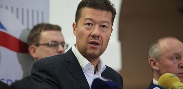 Česká televize shání na natáčení děti. Ale nesmí být bílé, jen menšiny. Dozvěděl se to Tomio Okamura a spustil