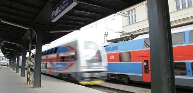 Od července se omezí dálkové vlaky. Nejsou na ně peníze