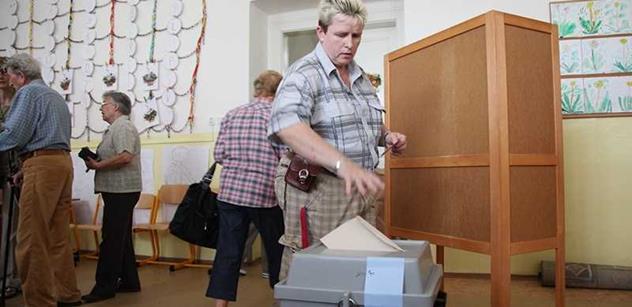 Koho volit? Pevně rozhodnuta je polovina dotázaných voličů