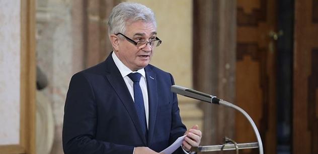 Štěch (ČSSD): Účast ve vládě s trestně stíhanou osobou nemůže být pro stranu přínosem