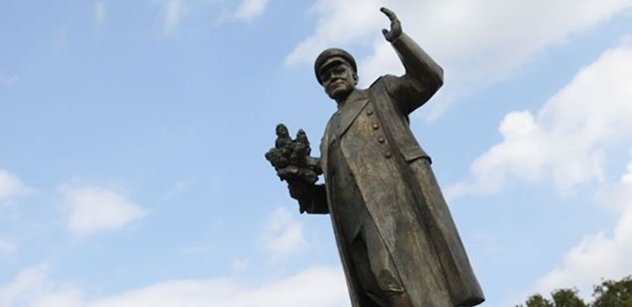 Koněvova dcera by chtěla otcovu sochu v Moskvě. Má prý obavy z pražských vandalů