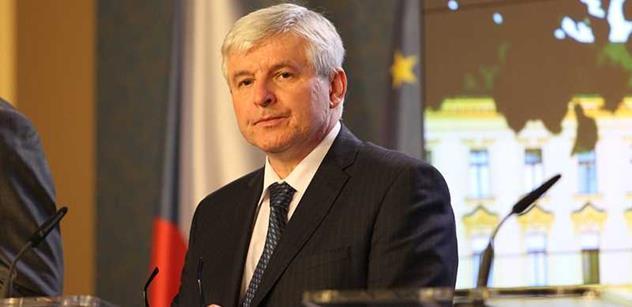 Rusnok zrušil odvolání šéfa Národního, ale zároveň se vysmál kulturní frontě. Čtěte