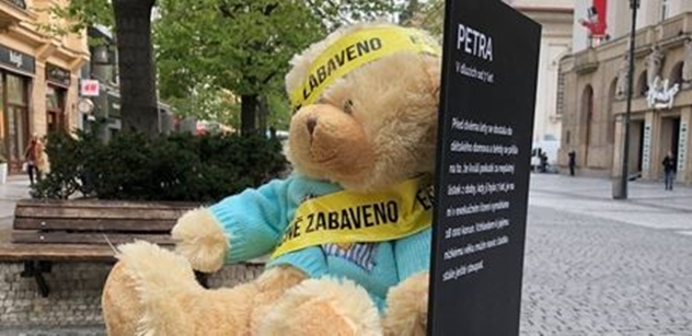"""""""Jak okrádání mrtvol!"""" Naštvaní Češi vzali exekuce dětí do svých rukou"""